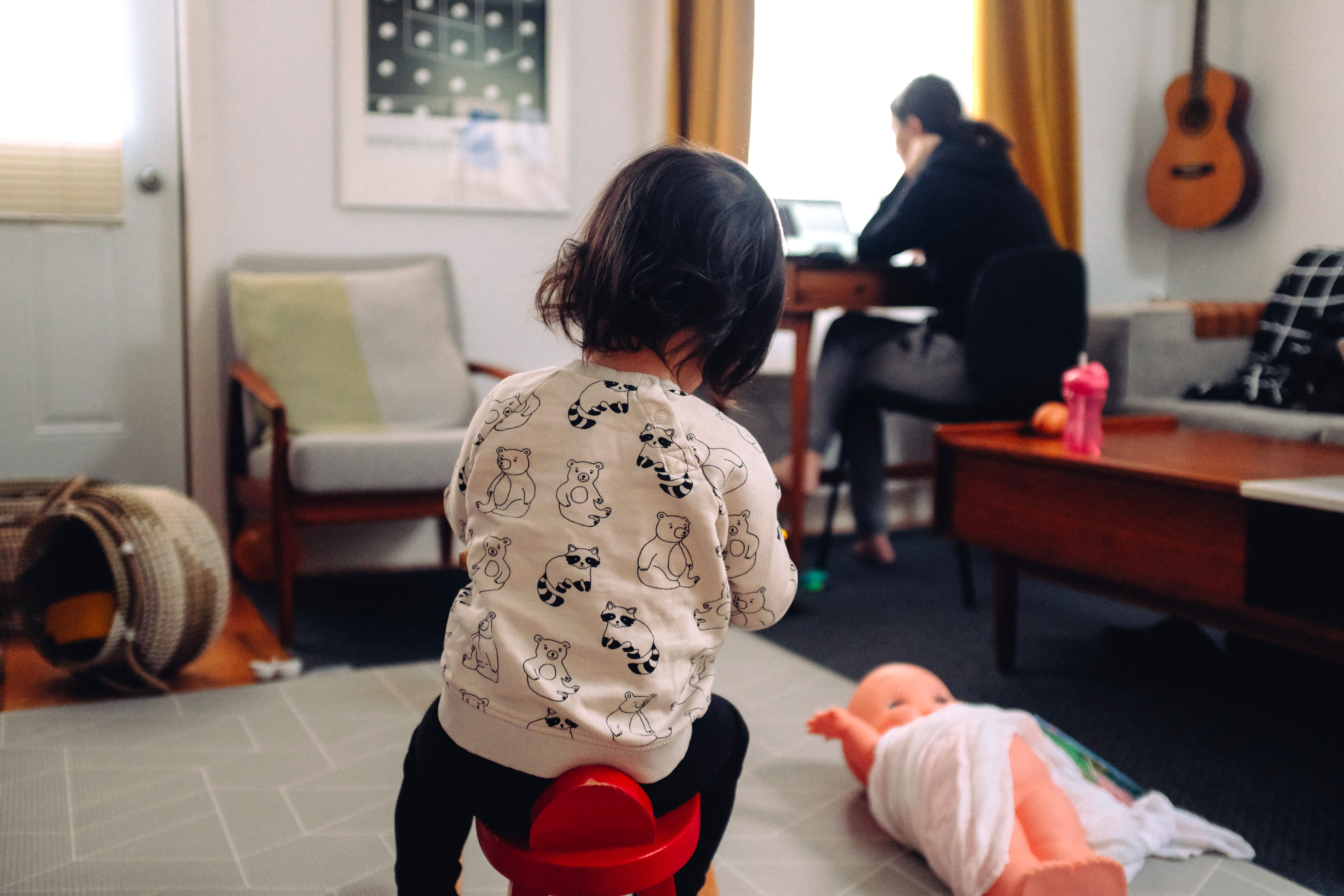 5 Tips for Sharing a Home Workspace with Small Children